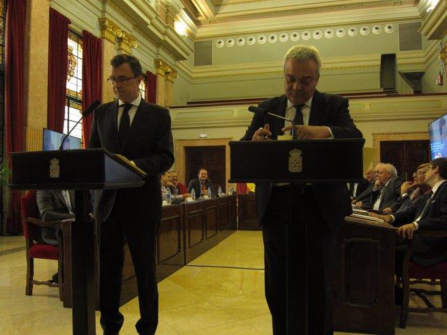 José Ballesta y Víctor Calvo-Sotelo durante la firma del convenio
