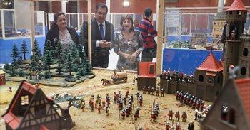 Inaugurada en Sevilla una muestra que recorre la historia a través de...