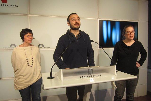 Pilar Castillejo, Albert Botran y Eulàlia Reguant (CUP)