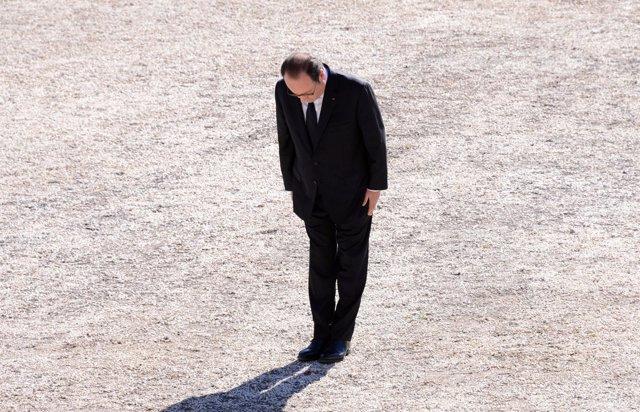 El presidente francés François Hollande recuerda a las víctimas de Niza