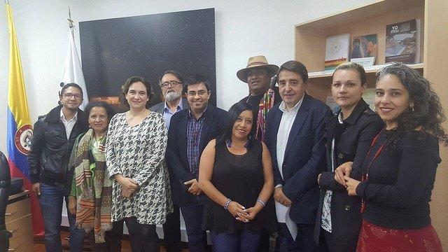 Ada Colau se reúne con políticos y entidades en Colombia