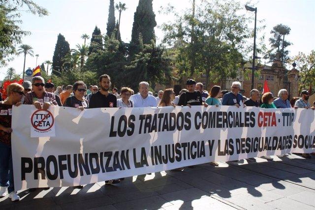 Bustamante En La Manifestación Contra El TTIP Y CETA
