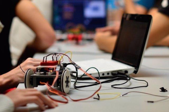 Economía Introduce La Robótica Educativa En Los Centros De Primaria De Las Islas
