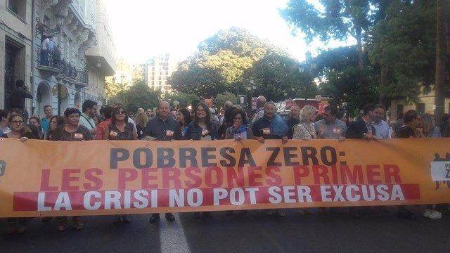 Oltra en la manifestación contra la pobreza y por la justicia fiscal