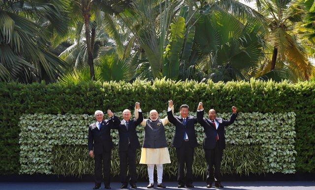 Putin, Temer, Xi, Modi y Zuma en la 8ª cumbre BRICS