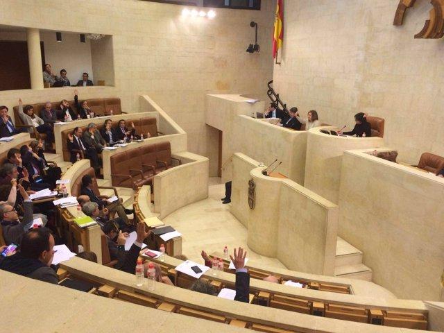Votación en el Pleno del Parlamento de Cantabria