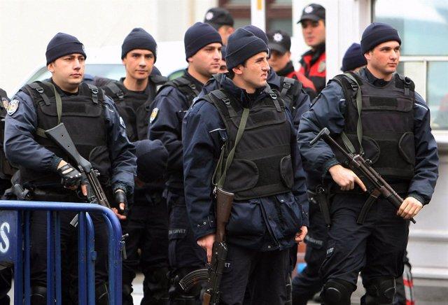 Policías turcos