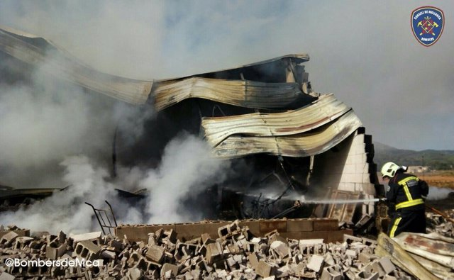 Incendio en una nave agrícola en Sa Pobla