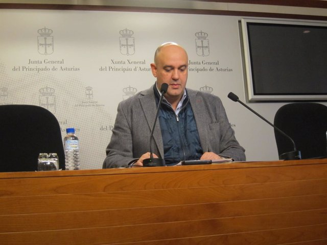 Pedro Leal en rueda de prensa
