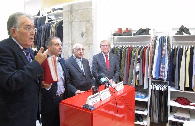 Tienda de ropa de segunda mano de Cáritas en Santiago