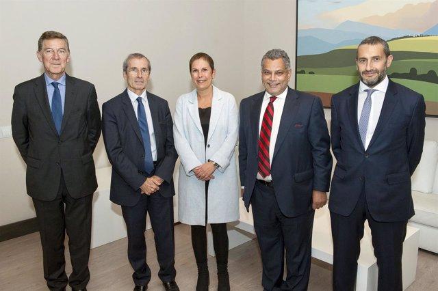 Barkos con la delegación francesa