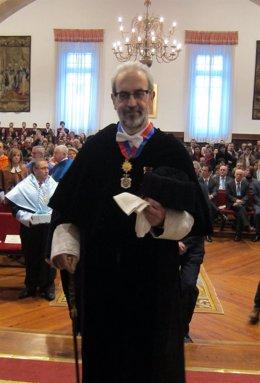 Hernández Ruipérez en un acto académico en Salamanca