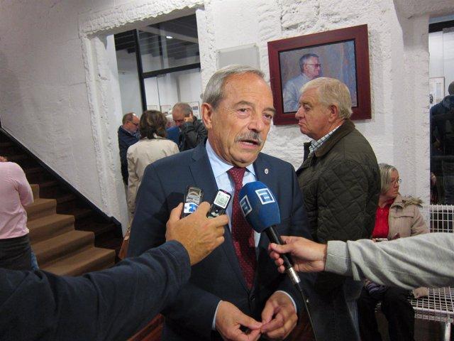 Wenceslao López, antes de la Asamblea de la AMSO.