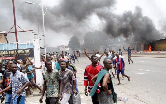 Disturbios en Kinshasa durante protesta contra el presidente