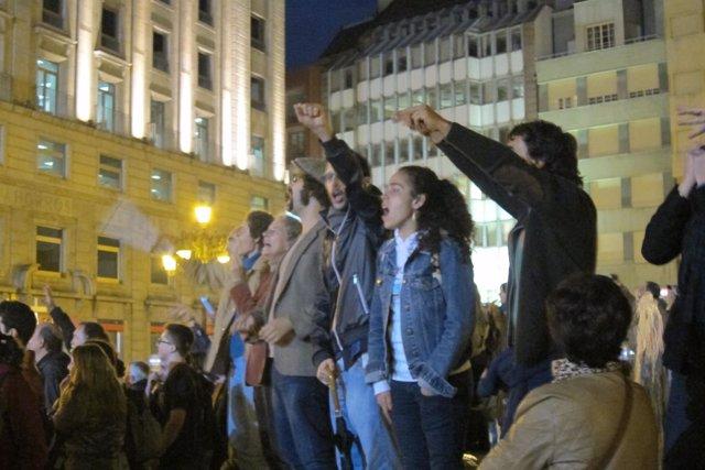 Protesta contra los recortes ante los Premios Príncipe