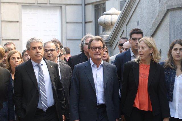 Francesc Homs, acompañado de Mas, entra en el Supremo para declarar por el 9N