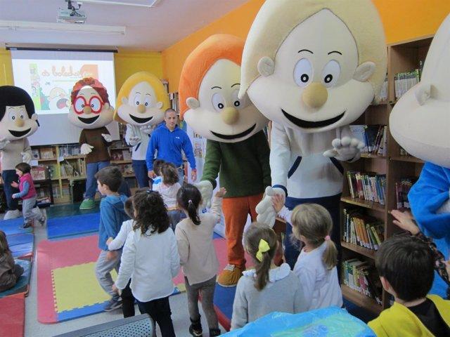 Os Bolechas en un colegio de Santiago