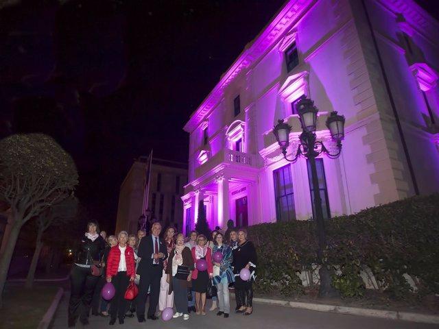 Iluminación Palacio de Gobierno de rosa por el Día del Cáncer