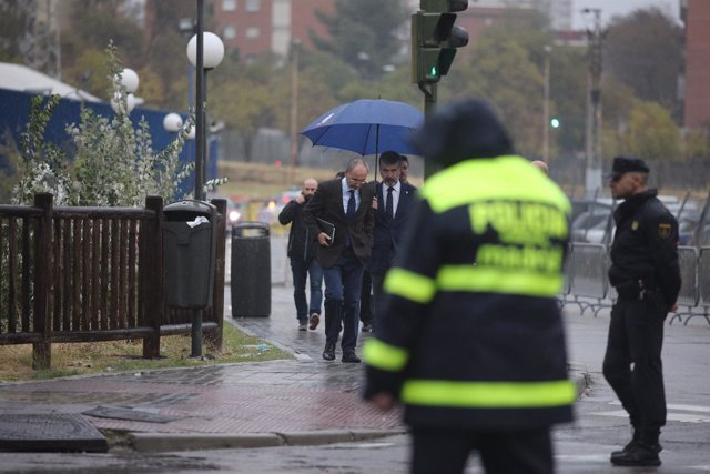 El director general de la Policía, Ignacio Cosidó, llega al CIE de Aluche