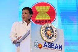 Almenys 21 detinguts per enfrontaments amb policies en una protesta anti-nord-americana (PRESIDENCIA DE FILIPINAS)