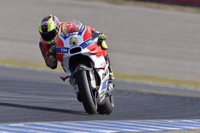 Héctor Barberá con la Ducati oficial en Motegi