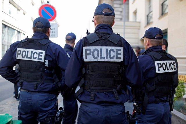 Policías franceses durante una movilización