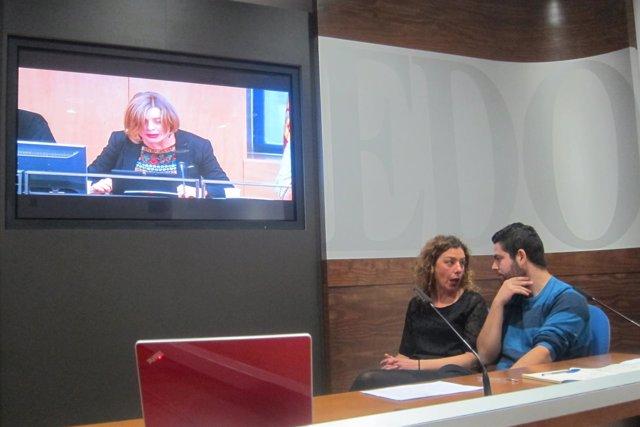 Cristina Pontón (IU) y Rubén Rosón (Somos) presentando el 'Manifiesto de Oviedo'