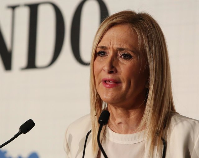 Cristina Cifuentes en el foto de El Mundo