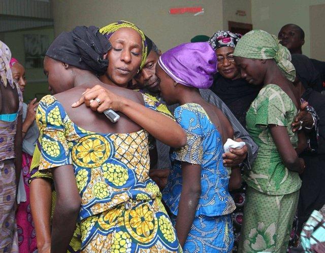 Niñas secuestradas por Boko Haram en Chibok tras ser liberadas