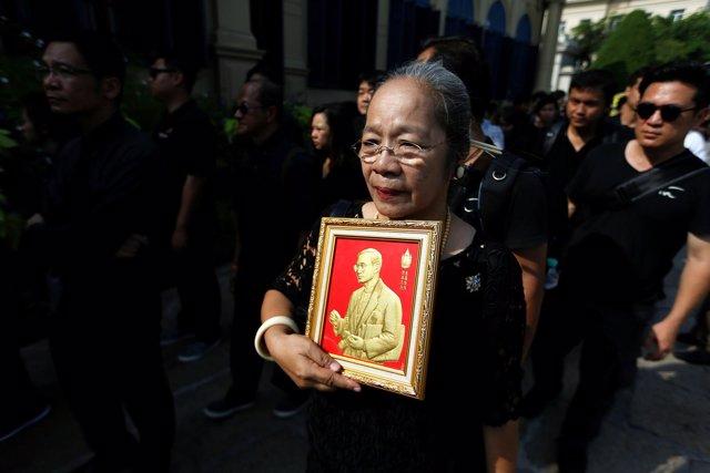 Lloran la muerte del rey de Tailandia, Bhumibol Adulyadej