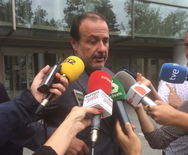 Vicente Burgos a su salida del juzgado