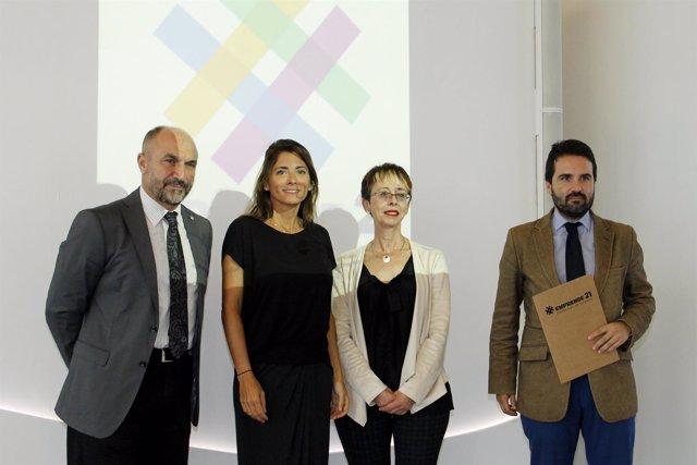 Presentación del nuevo seminario 'Emprende 21'.