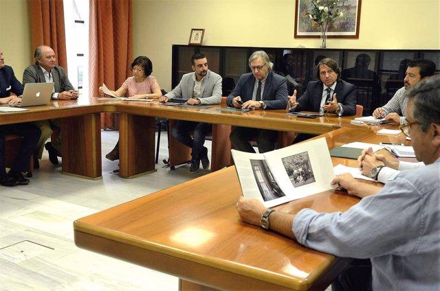 Reunión del Ayuntamiento de Jerez con Universo Santi