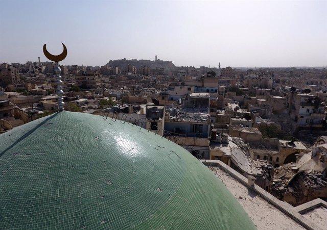 La mezquita de Usama bin Zayed en la Ciudad Vieja de Alepo