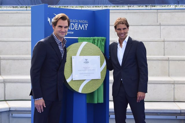 Nadal y Federer en la inauguración de la academia de Rafa Nadal en Manacor