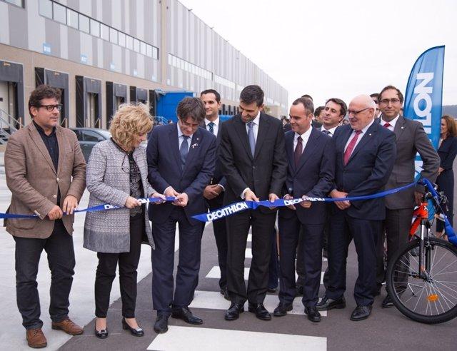 Decathlon inaugura en Barcelona un centro logístico CAR