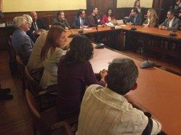 El conseller de Territorio J.Rull se reúne con entidades antitaurinas
