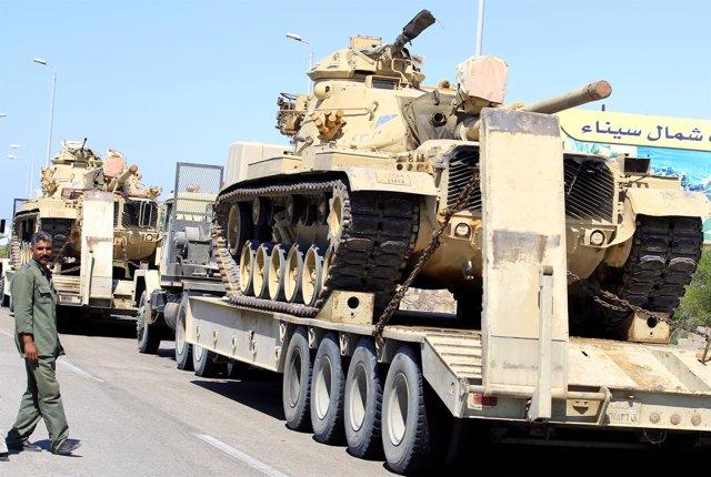 Egipto manda tanques al Sinaí