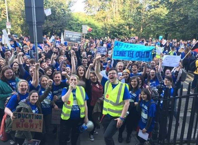 Manifestación estudiantil en Dublín