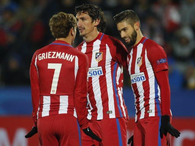 Yannick Carrasco celebra un gol con el Atlético de Madrid