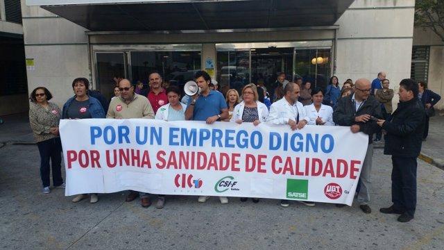 Concentraciones en los hospitales gallegos para pedir estabilidad.