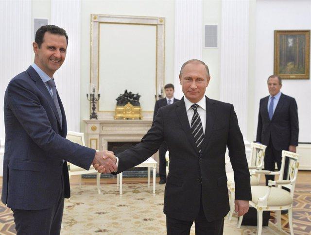 Putin se reúne con Al Assad
