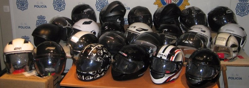 La Policía Nacional recupera más de 40 cascos de motos previamente sustraídos