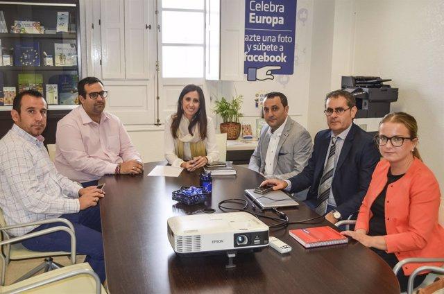 Diputación y Berja se dan la mano para impulsar el comercio local.