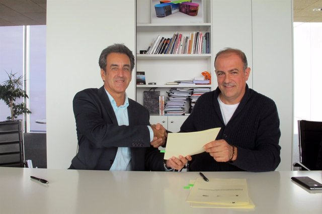 Firma convenio con la Asociación de Cabañas Pasiegas