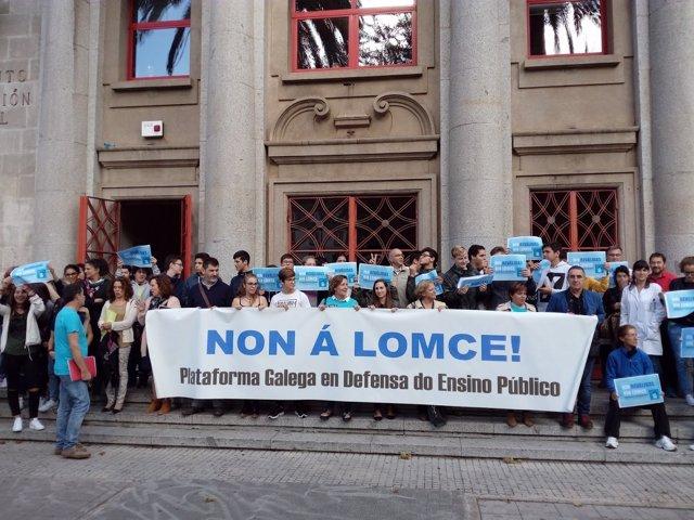 Protesta de alumnos y profesores contra las 'reválidas' en Galicia