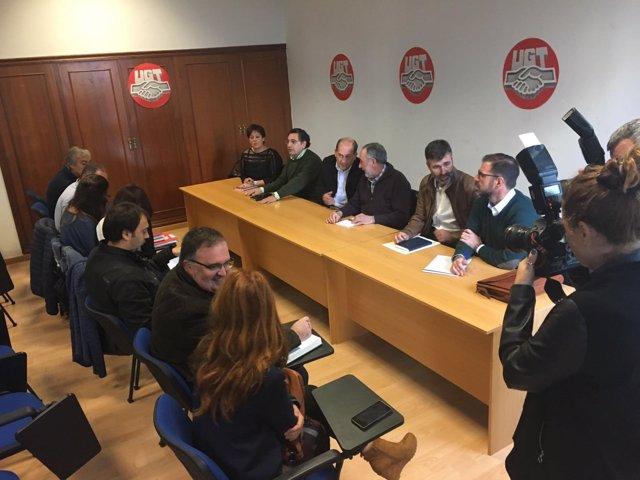 Reunión de Xoaquín Fernández Leiceaga en UGT A Coruña.