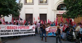 Trabajadores del Banco Popular se vuelven a concentrar en las capitales...