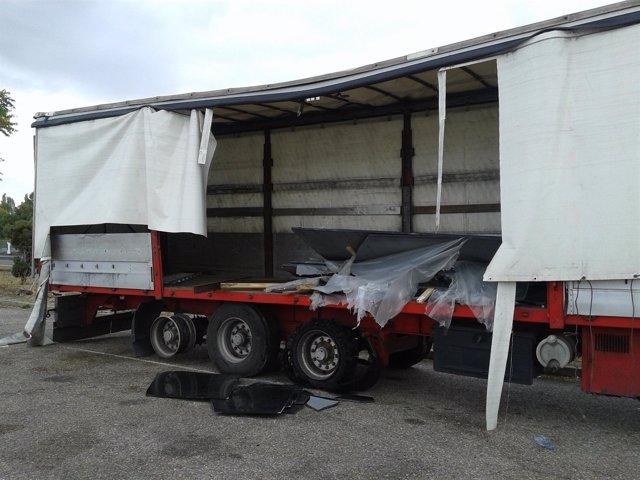 Estado en el que quedó el camión siniestrado.