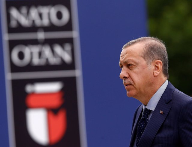 Erdogan a su llegada a una cumbre de la OTAN